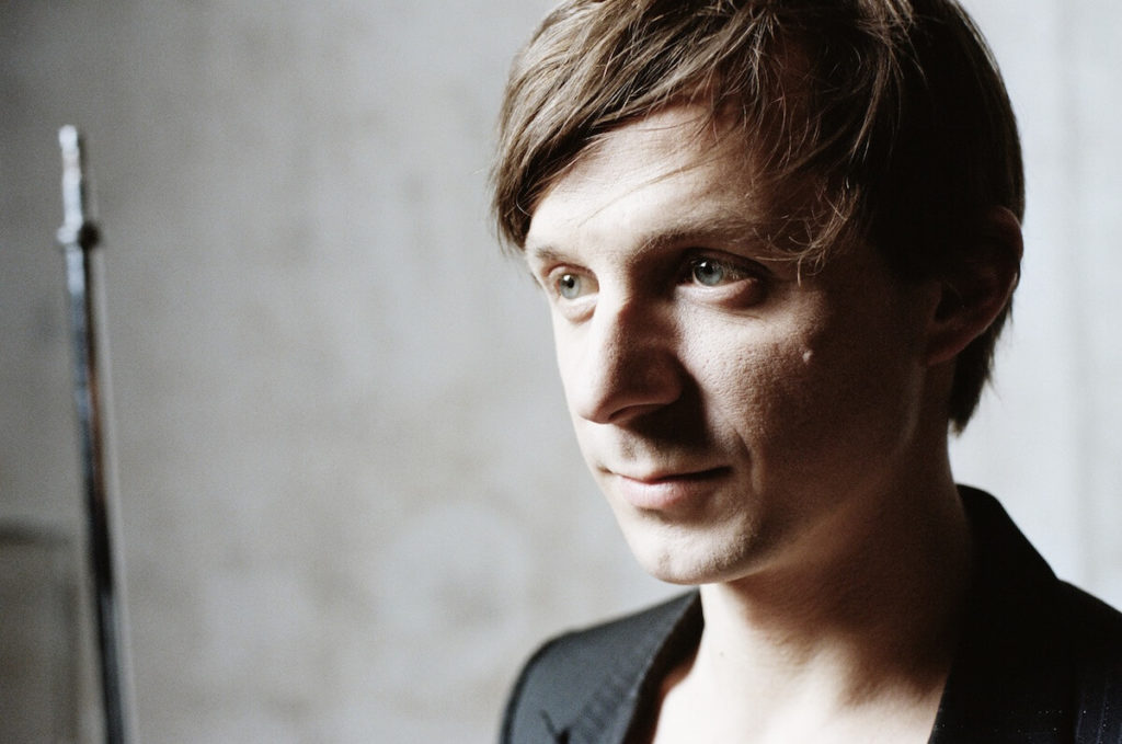 Martin Solveig featuring Kele – Ready 2 Go