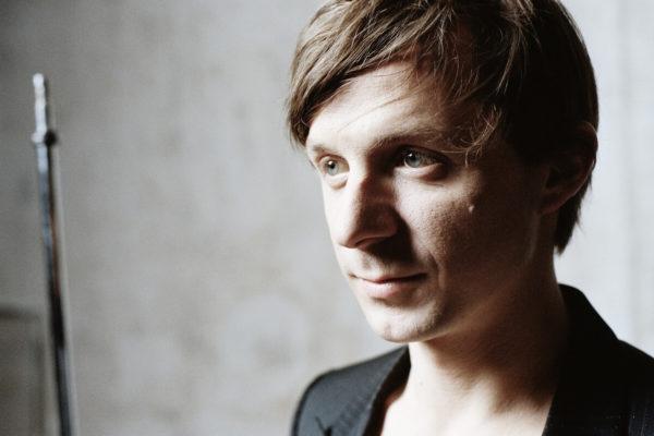 Martin Solveig featuring Kele – Ready 2 Go