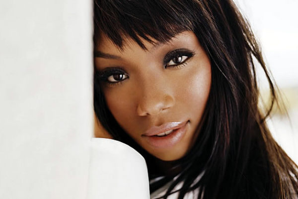 "Brandy sings ""Wildest Dreams"" on ""Good Morning America"""