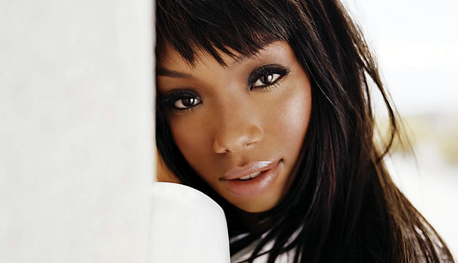 "Brandy sings ""Wildest Dreams"" on ""Good Morning America"""